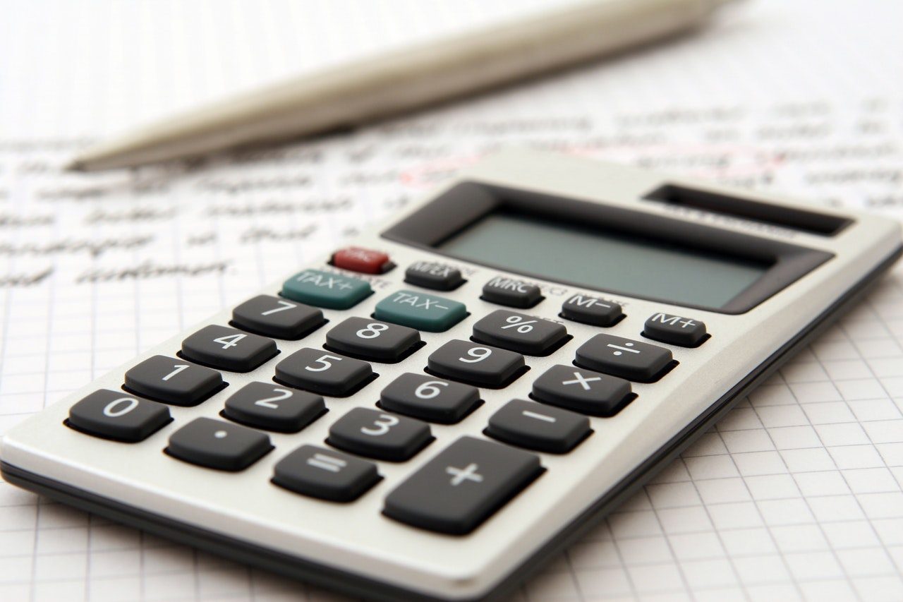 How to become an accounts clerk?